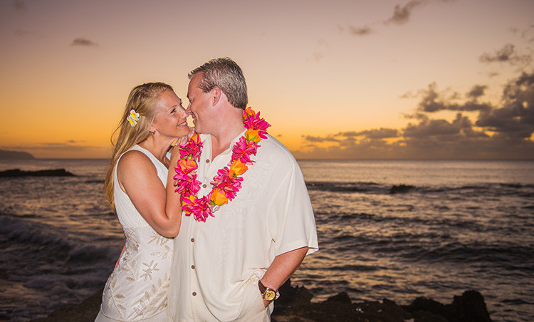 ALISHA & SHANNON SUNSET WEDDING NORTH SHORE OAHU